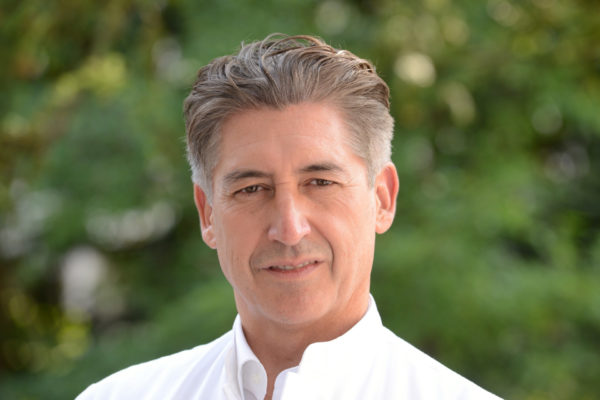 Dr. David Bórquez, niedergelassener Onkologe am EVK in Bergisch Gladbach