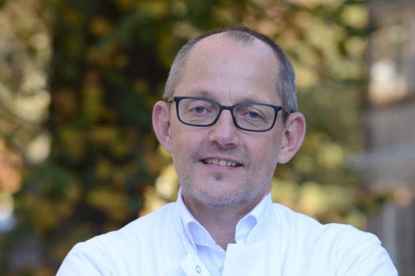 Strahlentherapeut Dr. Horst-Dieter Weinhold, Vorsitzender des Tumorzentrums