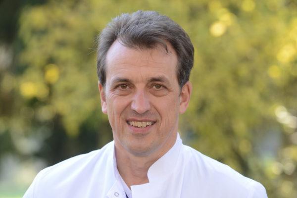Prof. Sebastian Hoffmann, Chefarzt für Allgemein- und Viszeralchirurgie der GFO-Kliniken Rhein-Berg